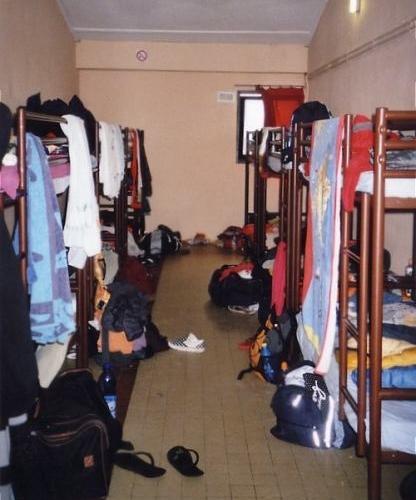 Baracke Zimmer die Haeuser von innen Taize