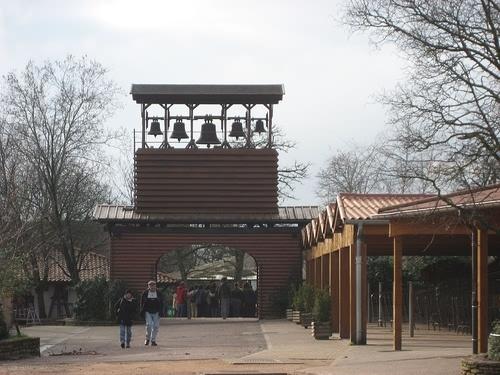 Glockenturm mit den Glocken von Taize