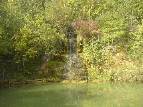 Quelle Tal der Stille Source St Etienne Taize