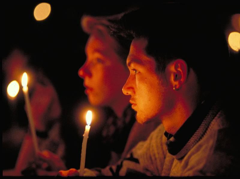 Versoehnungskirche die Kirche mit Gottesdienst Nacht der Lichter Taize